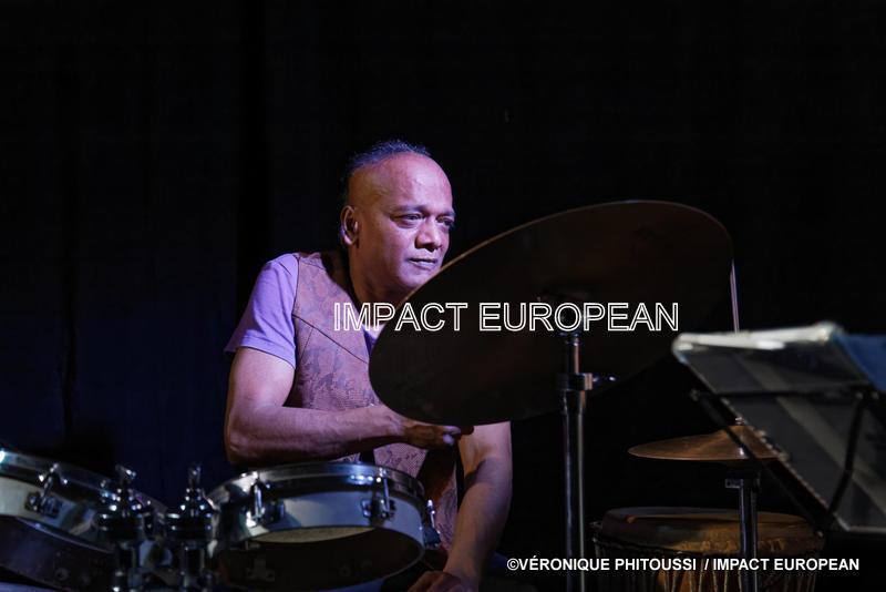 Ravy Magnifique en concert à la Maison du Passeur