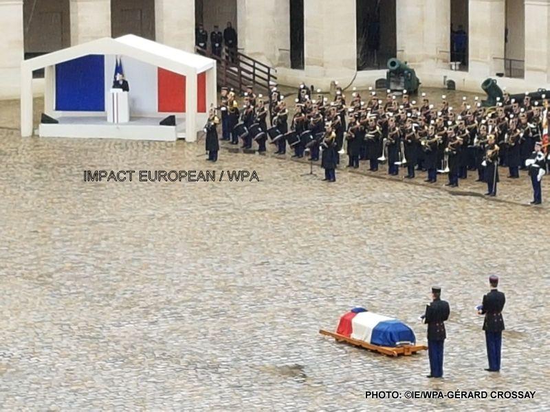 """Hommage national: """"le nom d'Arnaud Beltrame est devenu celui de l'héroïsme français"""""""
