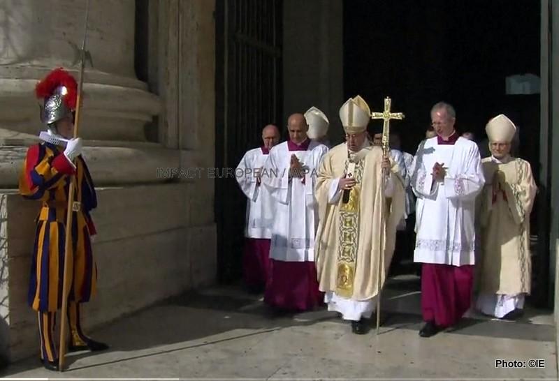 VATICAN: La traditionnelle messe de Pâques sous haute sécurité