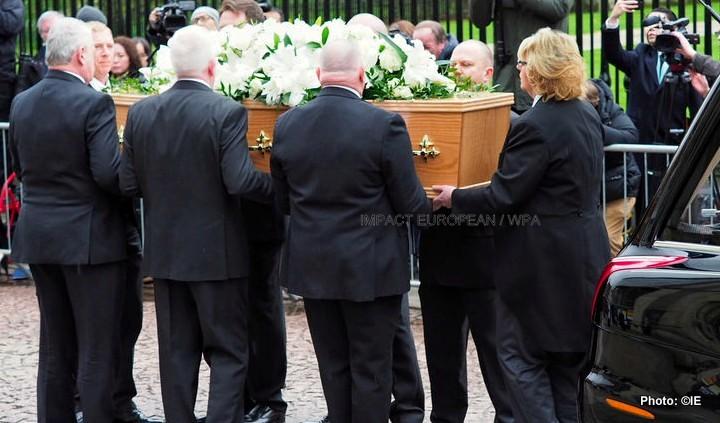 enterrement stephen hawking