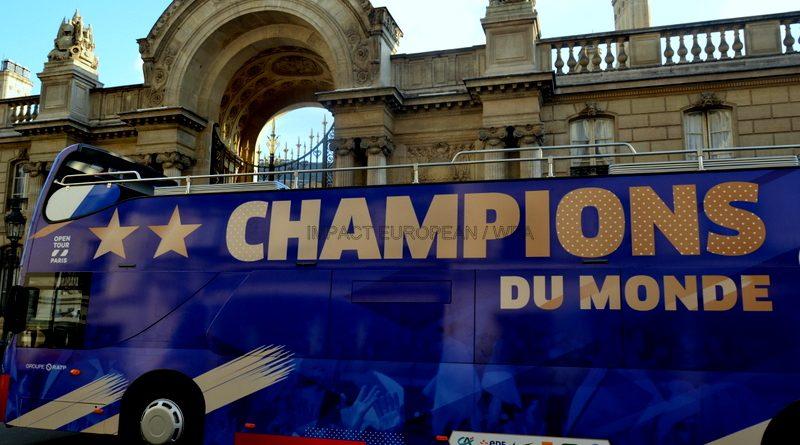 Les Bleus ont célébré leur titre mondial sur les Champs-Elysées et à l'Elysée