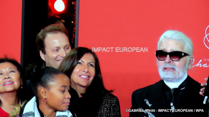 Les Champs Elysées habillés de lumière par Karl Lagerfeld