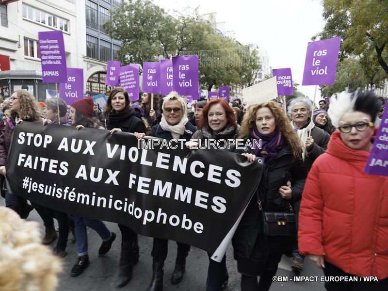 STOP AUX VIOLENCES SEXISTES ET SEXUELLES