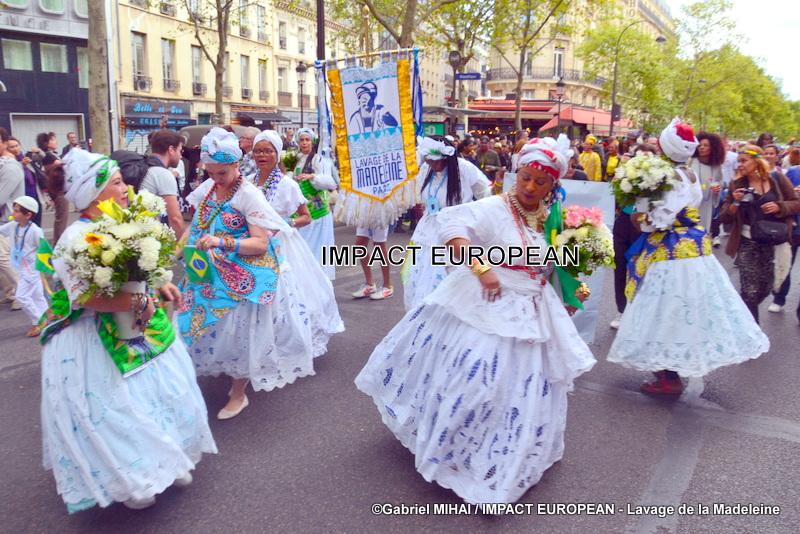 Lavage des marches de la Madeleine et soirée festive ont clôturé le Festival culturel franco-brésilien