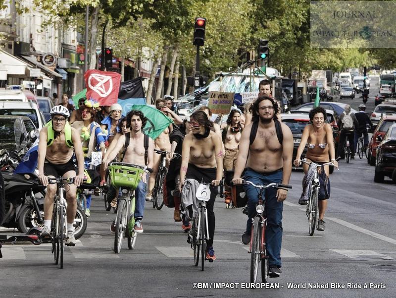 Faire du vélo pour sensibiliser à l'urgence climatique: mettons-nous tous à poil !