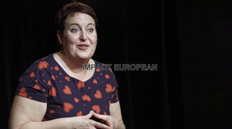 Pauline Cartoon présente Super Girl à la Boite à Rire