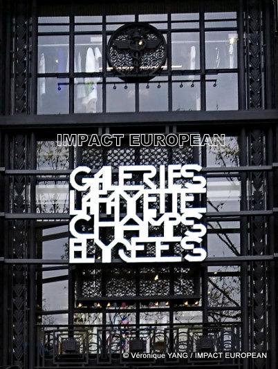 Le luxe et l'élégance des Galeries Lafayette connectés sur les Champs Elysées