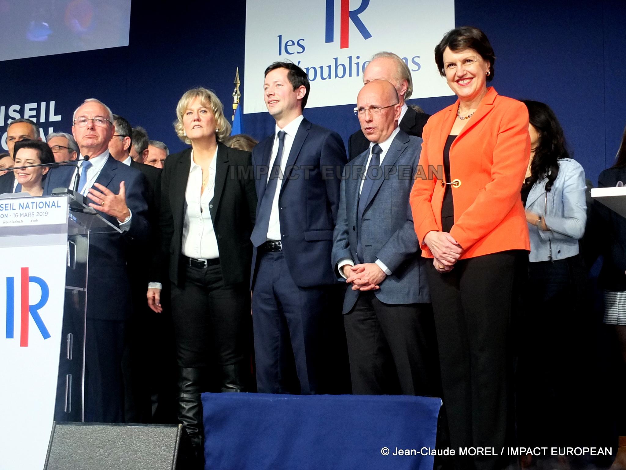 Européennes: Les Républicains lancent leur campagne lors du Conseil National de Lyon