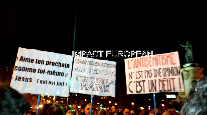 Des milliers de personnes rassemblées partout en France contre l'antisémitisme