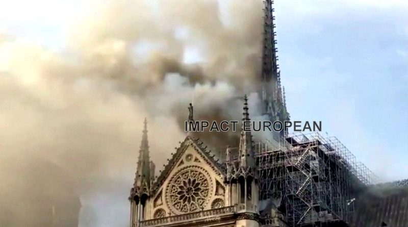 Notre-Dame:  Paris touchée en plein coeur par les flammes, le monde entier sous le choc