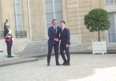 Volodymyr Zelensky à Paris pour une première visite officielle en tant que président.