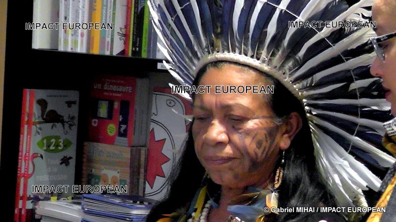 Ivanis PirèsTanoné: Une Amérindienne à Paris pour défendre la nature