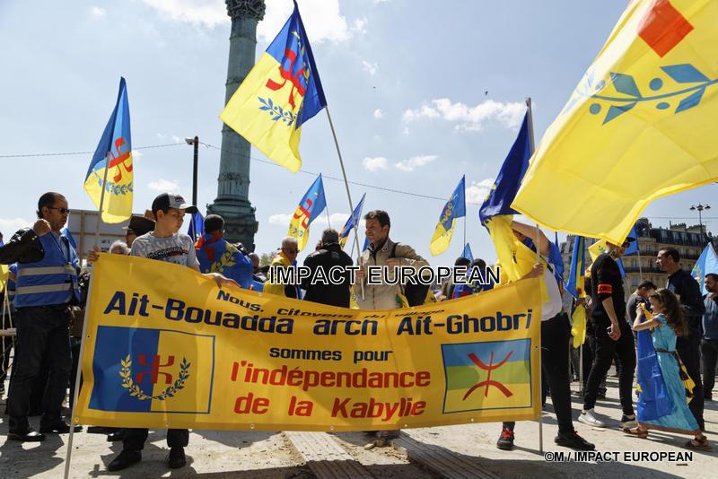 Les Kabyles marchent pour leur indépendance
