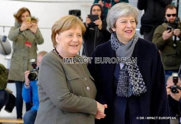 L'absence d'accord, May plaide pour un report du Brexit